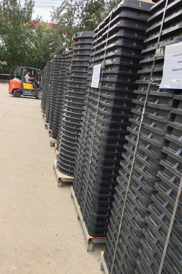 Manhole Cover Container's Loading Picture